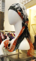 RETAIL REPORT -- SHOPPING DOWNTOWN CHICAGO: Scarves