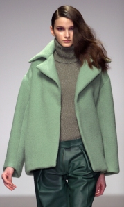 Womens-Winter-Holiday-2015-Trend-COlor_10